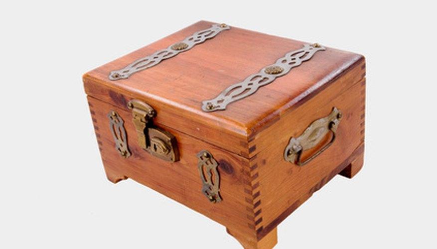 Los humidores lujosos son parte de la cultura de los habanos, pero no son necesarios.