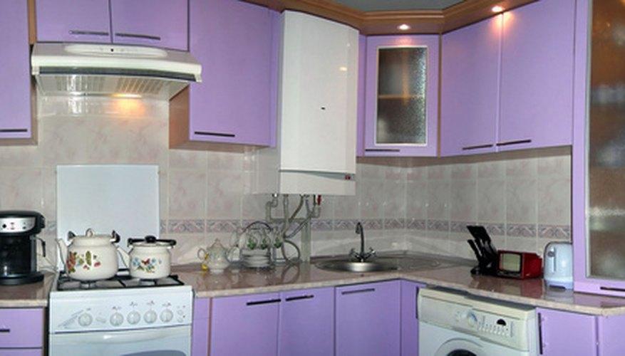 Las campanas extractoras de cocina sin ductos encajan perfectamente debajo de los gabinetes sin dañarlos.