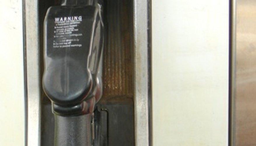 Las bombas de combustible modernas contienen retornos de vapor para capturar y recuperar gasolina vaporizada.