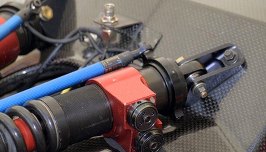 El trabajo de un amortiguador es suavizar los golpeteos comunes mientras conduces diariamente.