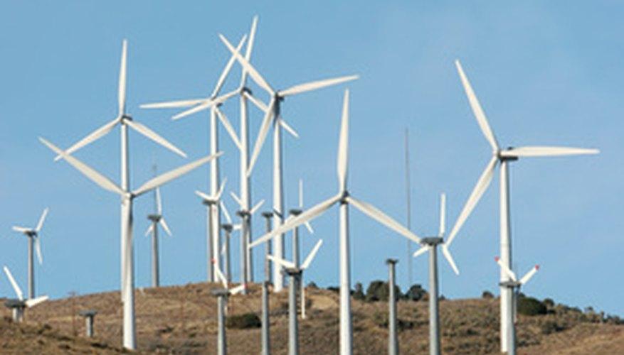 La energía eólica tiene desventajas que implican la implementación y la producción de energía.