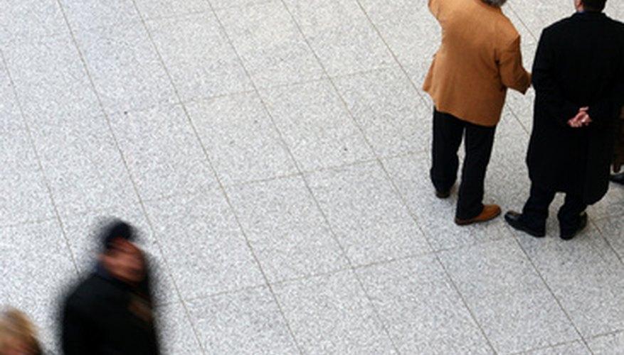 Ciertas compañías aéreas ofrecen descuento a ciudadanos jubilados.