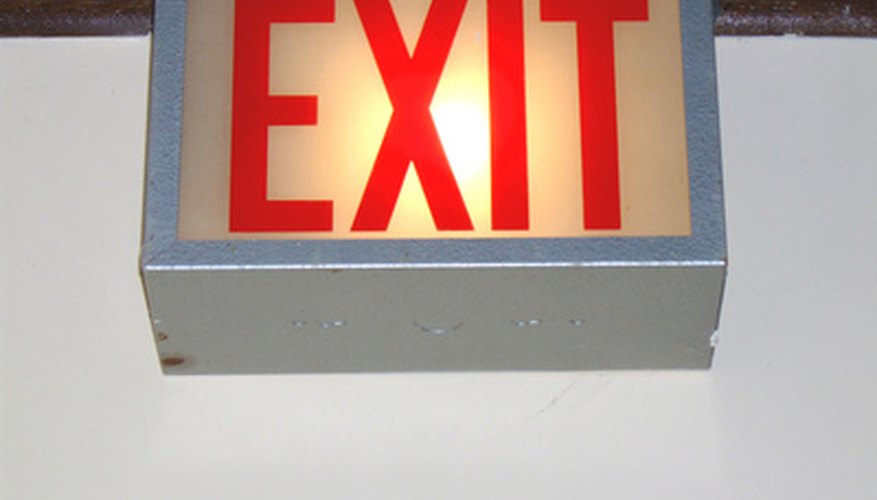 What are the emergency lighting requirements in commercial for Osha bathroom requirements