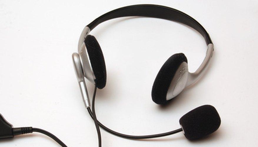 Puedes usar un auricular genérico multimedia con la Xbox 360.