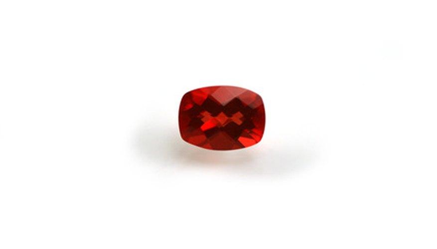 Un rubí es más valioso que un granate.