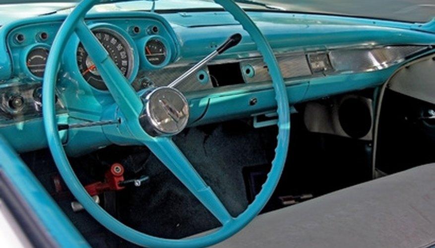 Quitar los paneles de tu Chevrolet Cavalier puede serte útil por muchas razones.