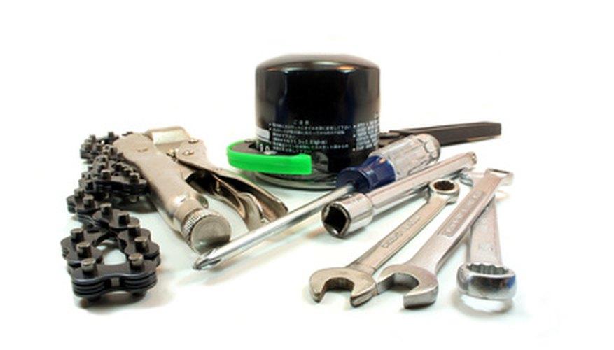 Algunos filtros de aceite requieren de herramientas especiales para retirarlos una vez se localizan.