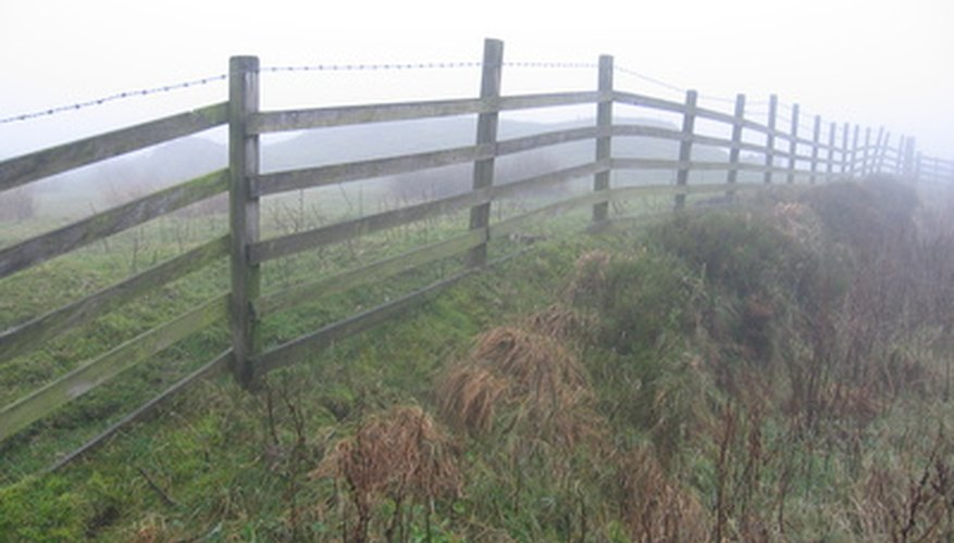 Fence posts must be level to provide a clean appearance.