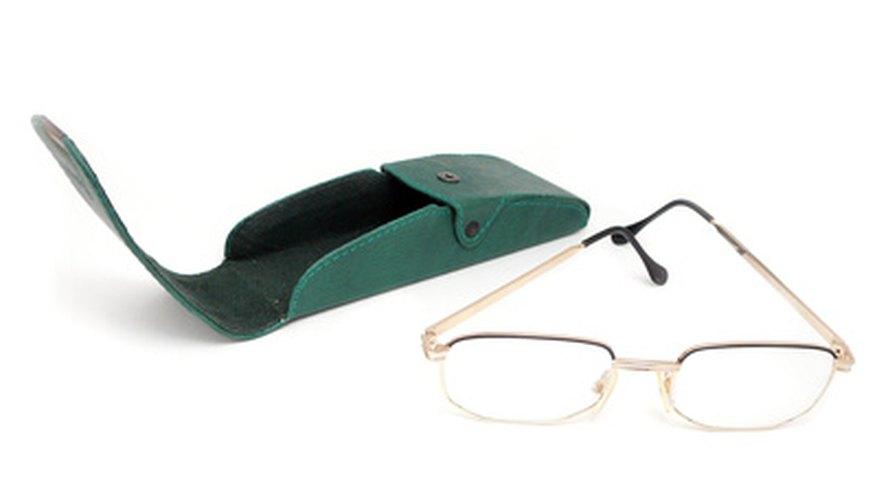 Ahorrarás dinero si reparas los anteojos tú mismo.