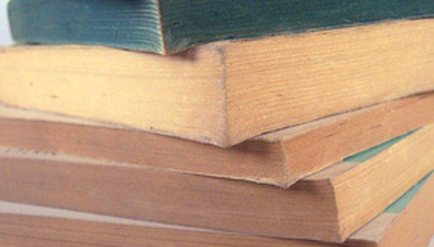 Protege las páginas del libro o marca su lugar con estas esquinas de papel en origami.