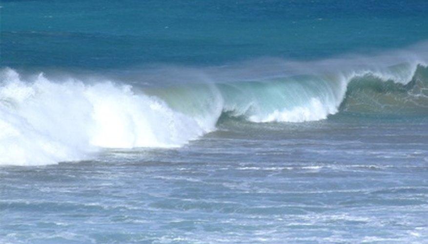 Las corrientes son causadas por factores tales como el viento, la temperatura y la gravedad.