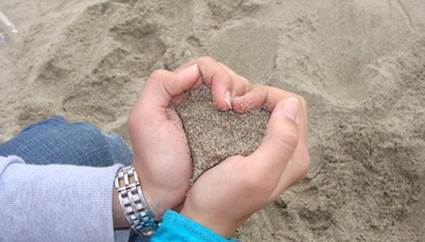 Otra forma de crear un corazón con las manos.