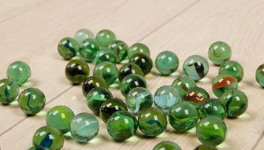 Las canicas, o perlas de piedra, arcilla, vidrio u otro material, han existido desde hace siglos.