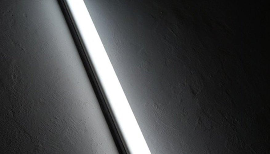 Un balastro provee una corriente confiable a los tubos de luz fluorescente.