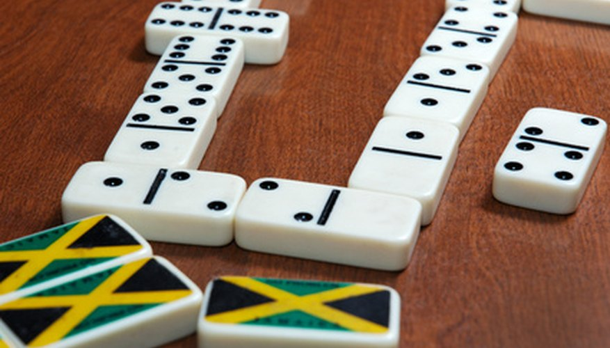 Los juegos de dominó pueden ayudar a los estudiantes a aprender la multiplicación.