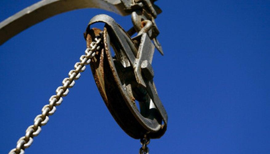 Las correas de una polea pueden ser cuerdas, correas de goma o cadenas.