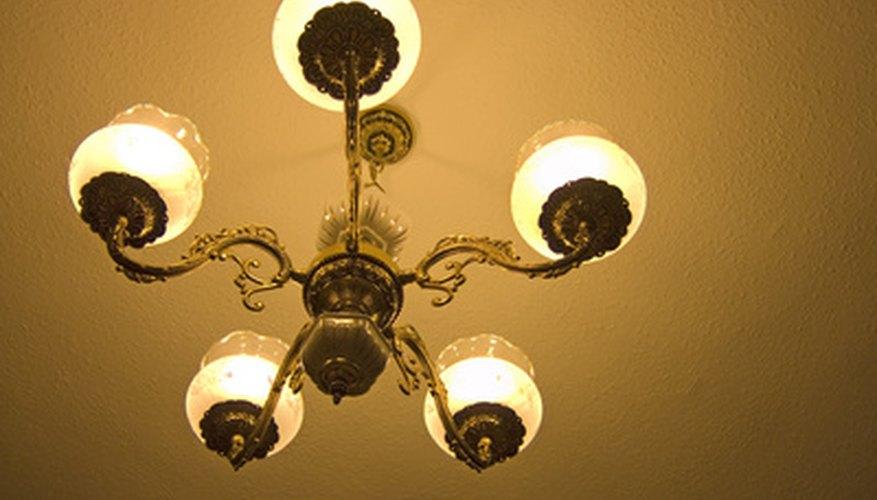 Debes tener cuidado al utilizar lámparas, éstas pueden ser inflamables.