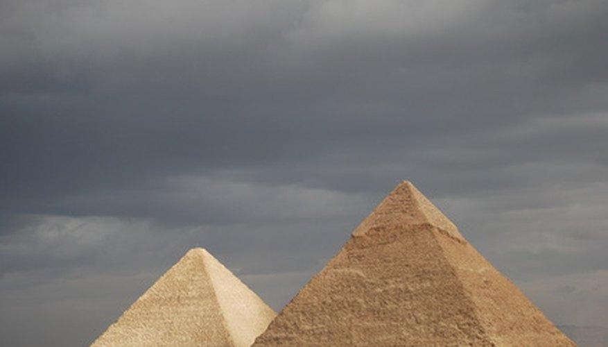 Descubre la historia Egipcia con palabras cruzadas y sopas de letras.