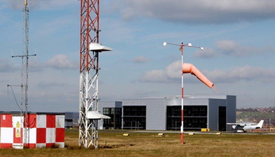Cómo comunicarte con la torre de control del tráfico aéreo.