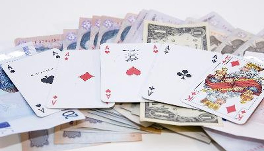 Es muy difícil contar las cartas durante un juego de póker.