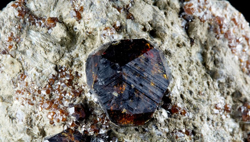 Garnet is the state mineral of Connecticut.