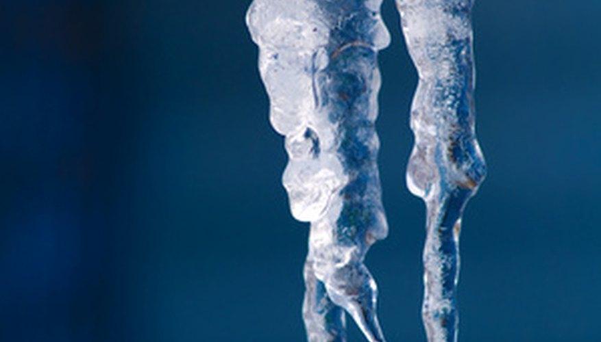 Mientras que el hielo común deja un residuo de agua cuando se derrite, el hielo seco no lo hace.