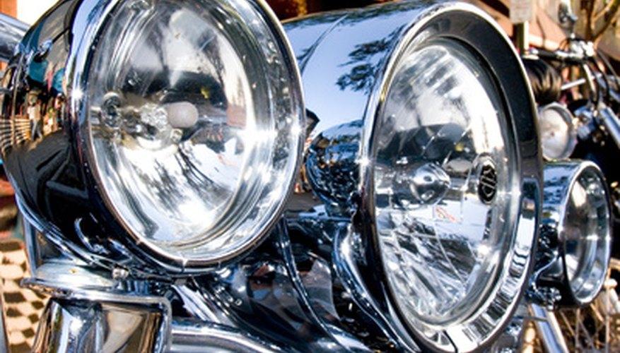 El cromado se puede hacer que una superficie metálica sea muy reflectiva.