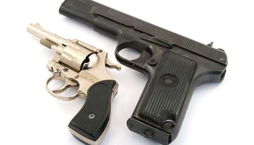 La ley de Arizona requiere un permiso para portar un arma escondida.