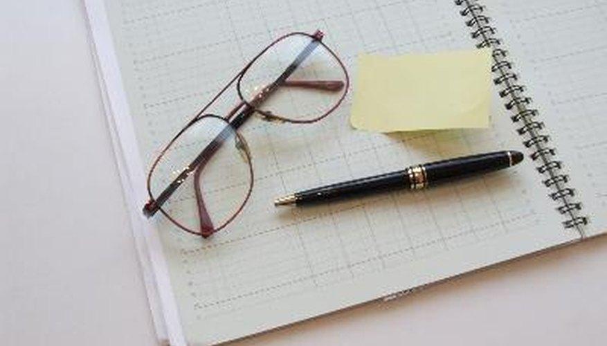 Para los contadores, el proceso implica la teneduría de libros, la revisión del diario de entrada y la preparación del balance de corporación.