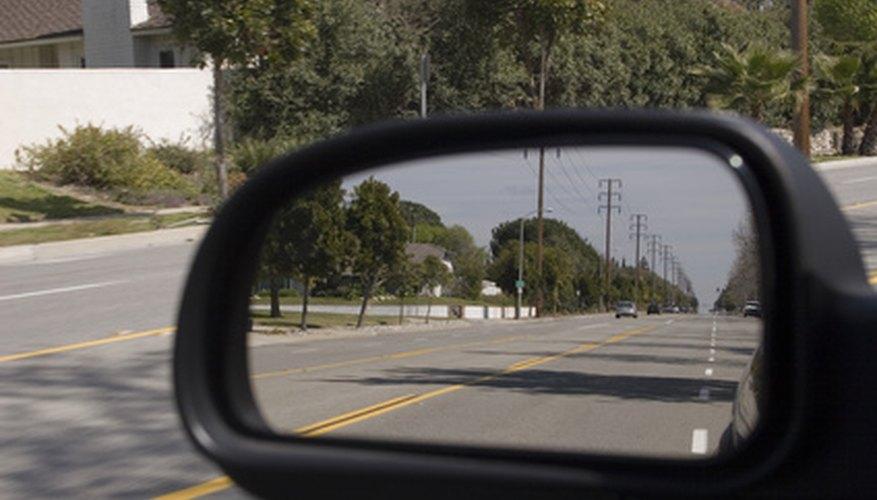 Estas cámaras permiten al conductor ver objetos y personas directamente detrás de sus vehículos.