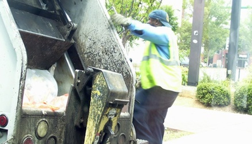 New Jersey had 2,900 garbage collectors in 2009.