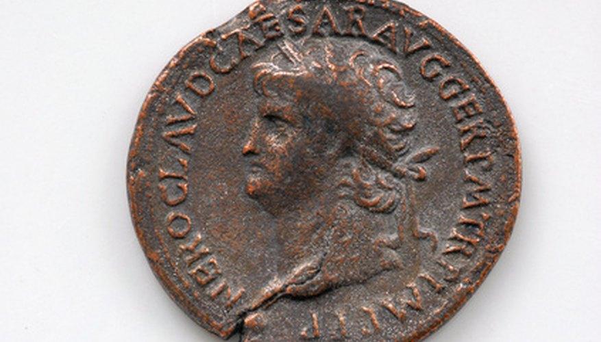 Las monedas romanas antiguas deben limpiarse cuidadosamente.