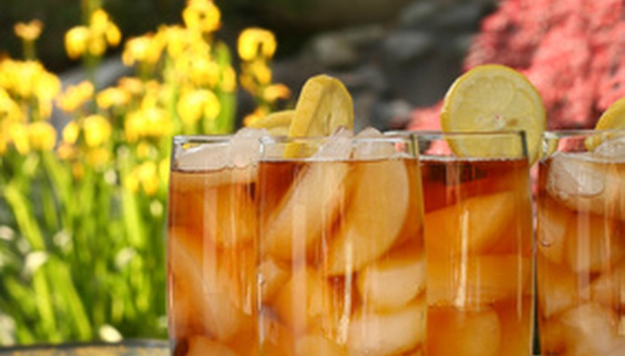 Stevia sweetens iced tea–without the calories.