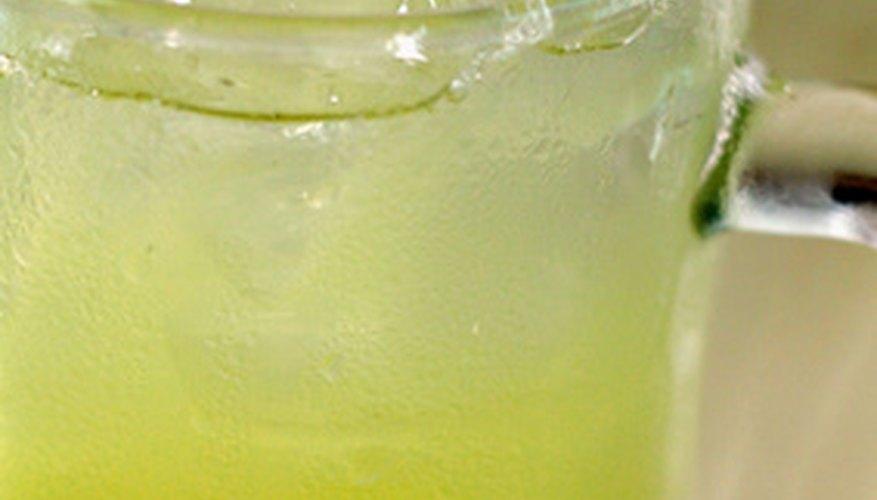 La manera más fresca de obtener el dulce para las recetas o las bebidas es exprimiendo tu propia azúcar.