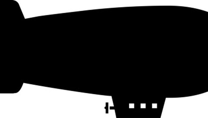 Los dirigibles constan de una envoltura o casco, un globo grande lleno de un gas que es más ligero que el aire y una góndola que aloja los propulsores.