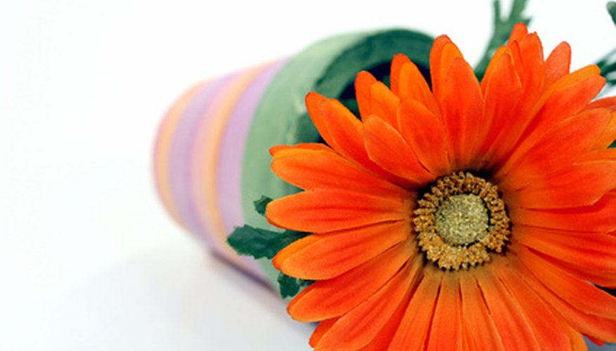 Orange gerbera daisies have the same shape as sunflowers.