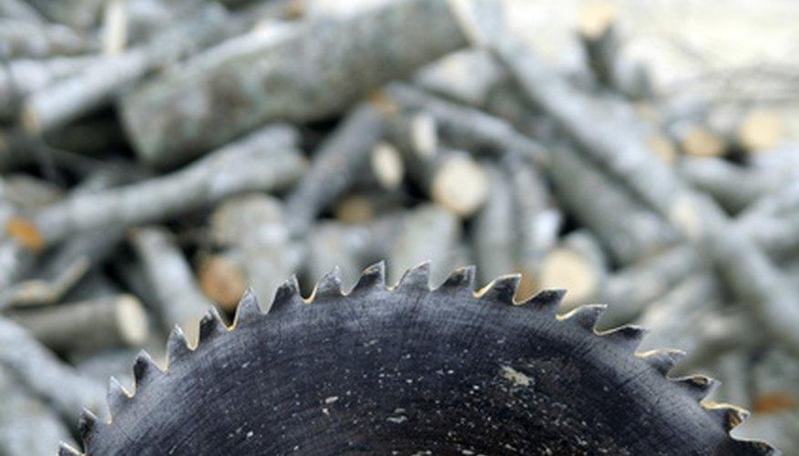 Gracias a las herramientas eléctricas asequibles, afilar hojas de sierra se ha convertido en una tarea más sencilla.