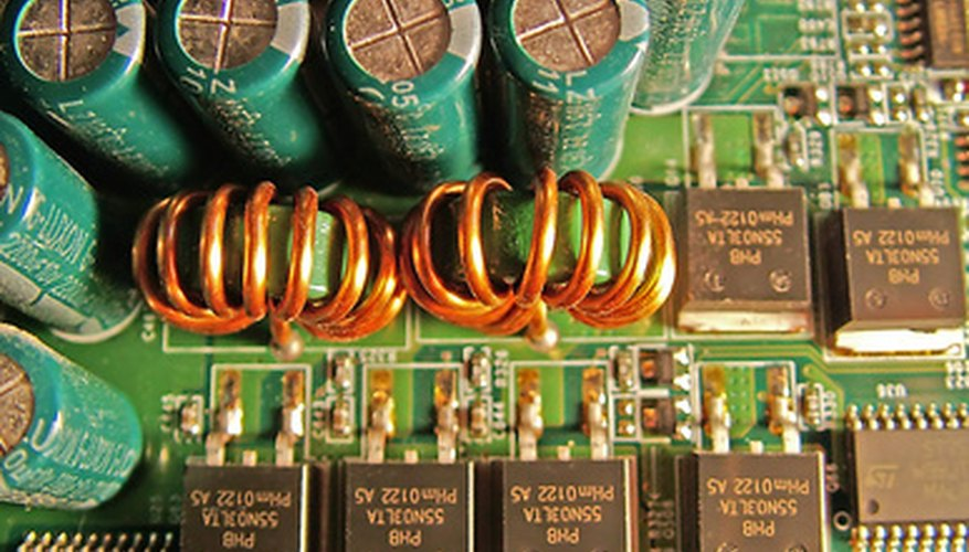 Un varistor protege los componentes electrónicos de las subidas de tensión.