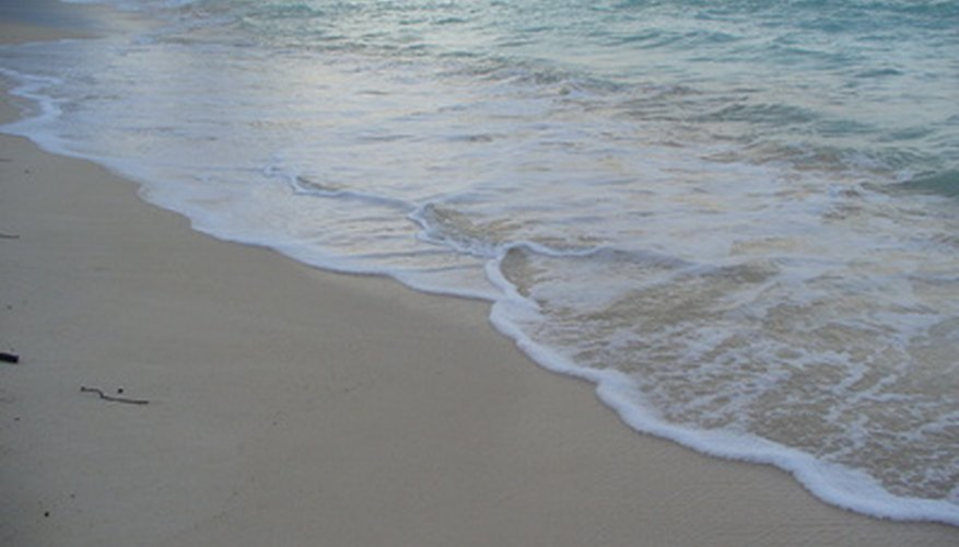 Hawaii es el único estado estadounidense totalmente rodeado por agua.