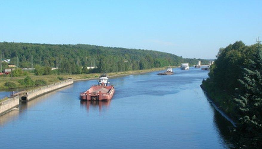 Barcos de carga.