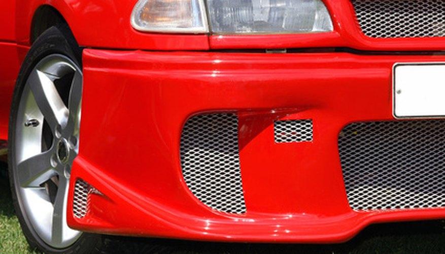 La mayoría de los colores de parachoques modernos combinan con el color principal del cuerpo del automóvil.
