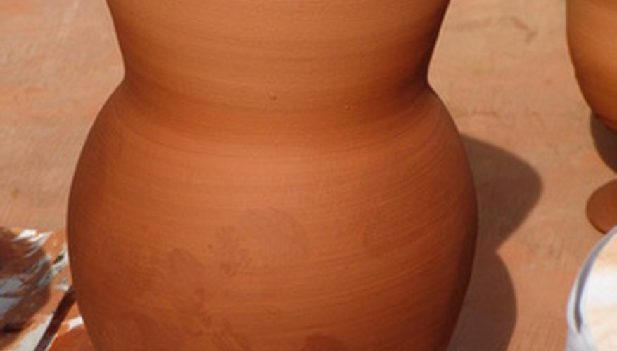 Puedes fabricar arcilla con materiales naturales.