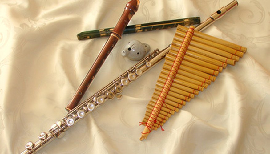 Many styles of flutes