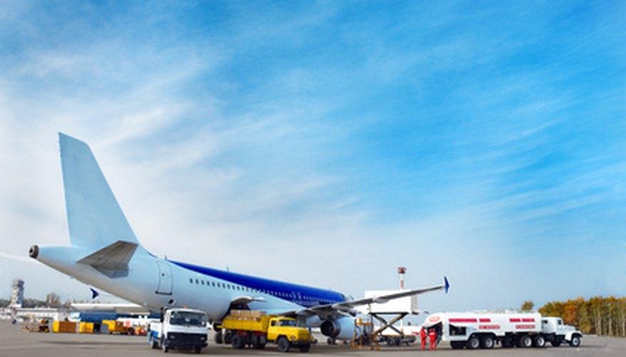 Conoce los distintos tipos de combustible de aviación.