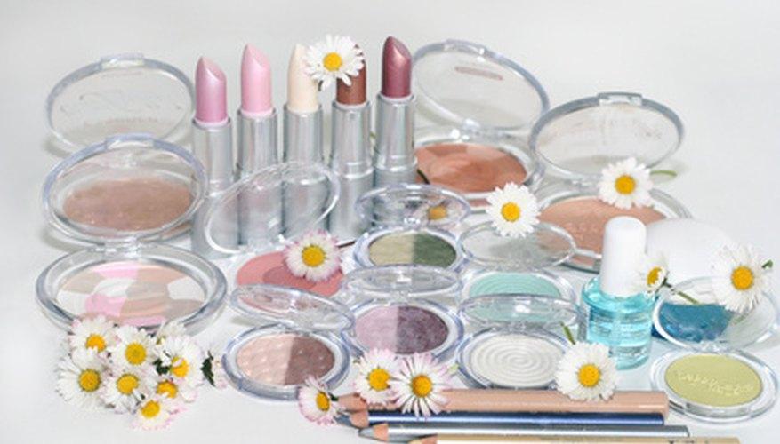 Comenzar un proyecto de linea de cosméticos es una elección de carrera conveniente.