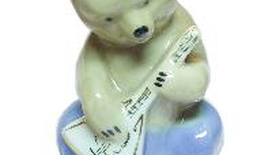 La familia de los instrumentos balalaica se origina a partir del siglo 17 en Rusia.