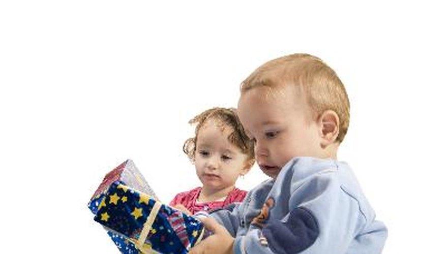 Entretiene a los niños con carreras de obstáculos y dales pequeños premios.