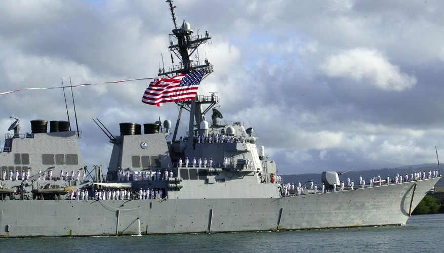 The destroyer USS Paul Hamilton in Honolulu, Hawaii
