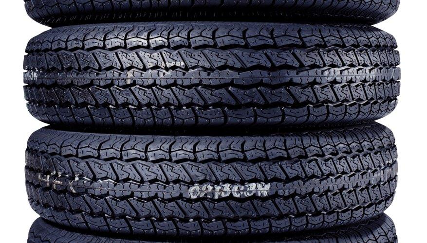 Limpiar las ruedas de magnesio puede ser tan fácil como pulverizar un aerosol o puede ser una tarea en serio.