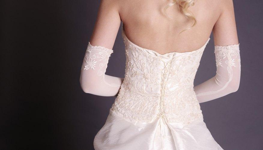 Una costura deshilachada puede ser un desastre en un vestido de raso ajustado.